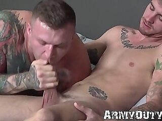 Buff army homo gives an amazing blowjob before barebacking gay hunk big dick