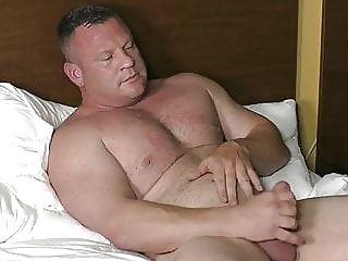 Hot Muscle Bear (Solo) bear (gay) big cock (gay) masturbation (gay)