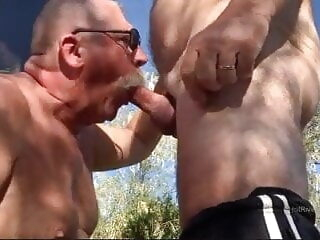 Fun with a few visitors amateur bear blowjob