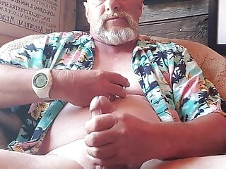 OH HOT DADDY 2 bear daddy masturbation