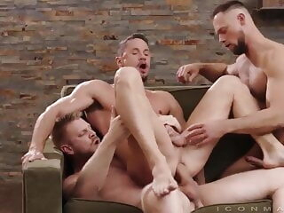 Logan Stevens, Skyy Knox and Zayne Roman (UR P4) bareback group sex muscle